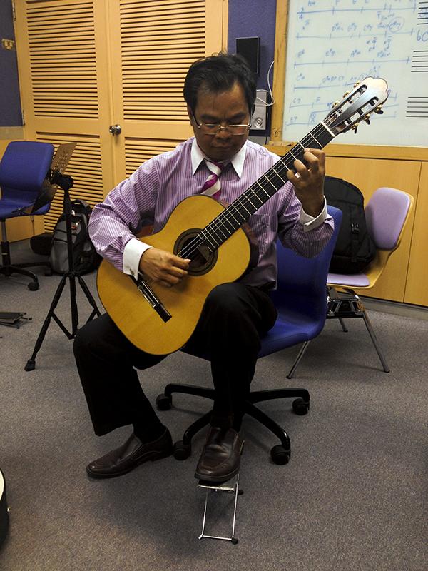 2011 Perry Concert Honduras (17)